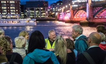 IlluminatedRiver walk with Inner London Ramblers, photo Milo Robinson (1)